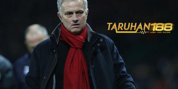 Mourinho Puji Semangat Juang MU Meski Bermain Imbang Lawan Burnley