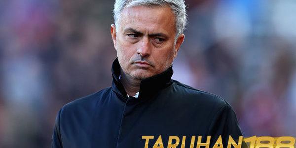 Mourinho Akui Sulit Mengulang Suksesnya di Chelsea Bersama MU