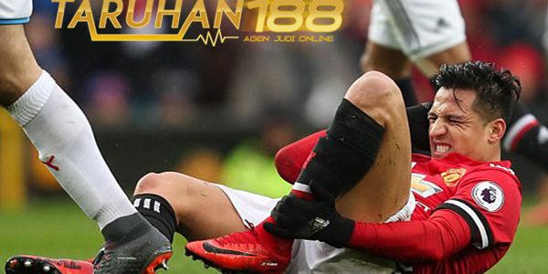 Redknapp Sebut Cara Untuk Rebut Bola Sanchez dengan Pelanggaran