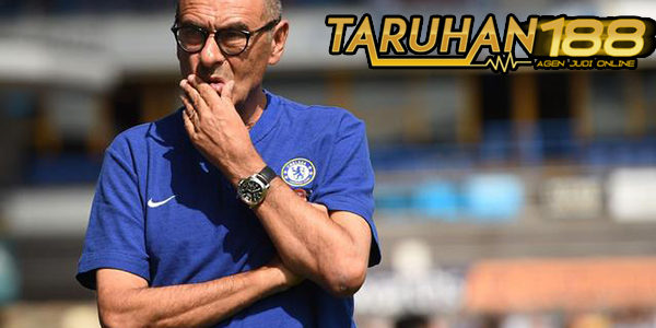 Kemenangan Chelsea Atas Huddersfield Tak Sepenuhnya Buat Sarri Puas