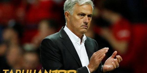 Posisi Mourinho Lebih Pas Disebut Kepala Pelatih Daripada Manajer